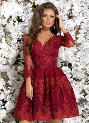 Шикарное вечернее платье с сеткой и гипюром