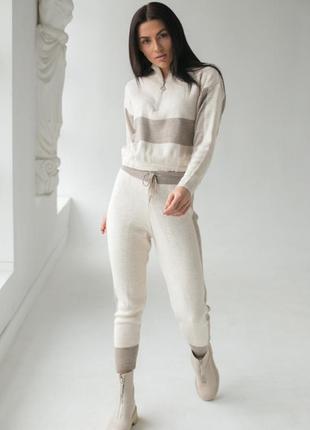 Костюм женский,костюм спортивный