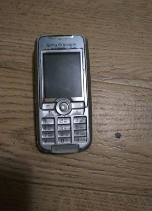 Телефон Sony Ericsson K700i