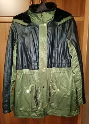Плащ-пальто зелёного цвета