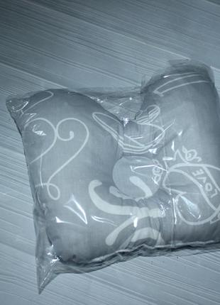 Подушка ортопедическая для новорожденного