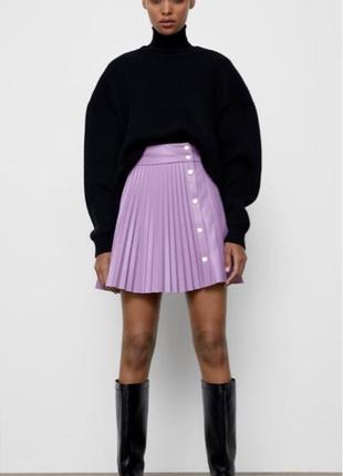 Плиссированная юбка из эко кожи Zara