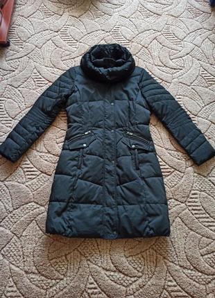 Пальто зимнее тëплое.