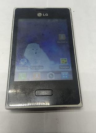 Мобильный телефон LG E-400