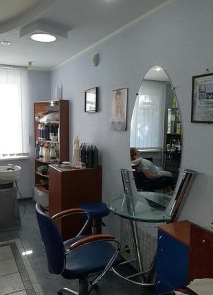 Сдам в аренду рабочее место парикмахера в салоне красоты