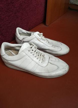 Кожаные кроссовки zara