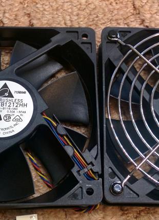 Качественные вентиляторы (Кулеры) 120х25 мм от Delta Electronics.
