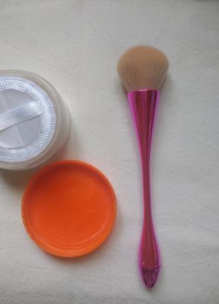 Оригинальная мягкая кисть для макияжа