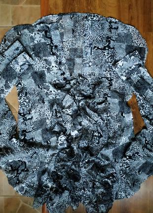 Шикарная блуза с жабо.