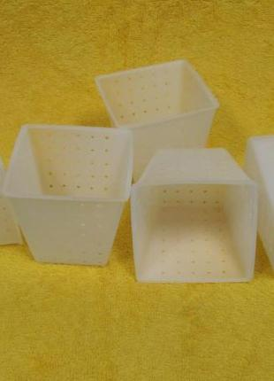 """Форма для сыра """"Пірамідка"""" на 0.4 л"""