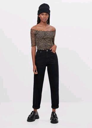Шикарные джинсы мом bershka