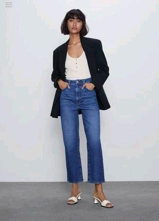 Тренд сезона прямые джинсы zara