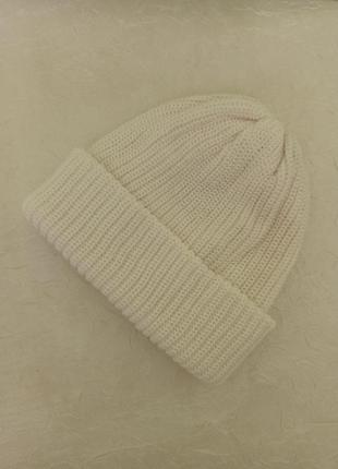 Женская белая шапка с отворотом. вязаная двойная. новая. жіноч...