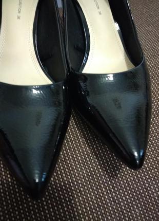 Туфли лаковые zara, размер 38