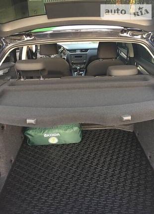 Коврик багажника для Октавия резиновый оригинальный