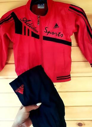 Спортивный костюм adidas   на  3-4 года