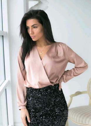 Нарядная блуза на запах, размер M