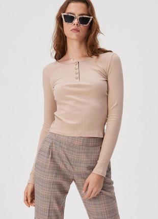 Новая модная короткая облегающая бежевая песочная кофта блузка...