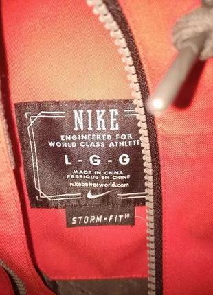 Горнолыжная куртка Nike Stormfit 10