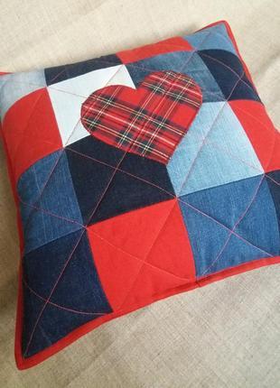 Джинсовая декоративная наволочка, подушка ′сердце′.