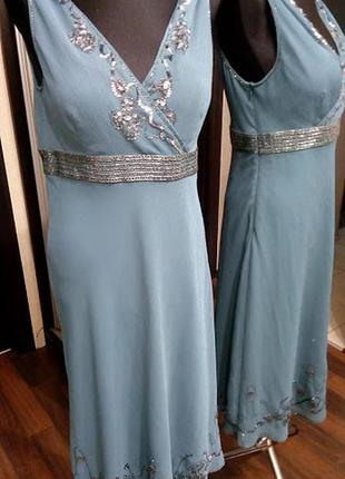 Нежное платье расшитое стеклярусом в припыленном голубом цвете