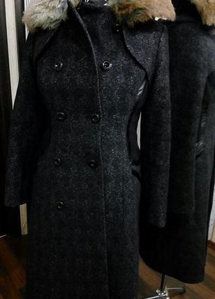 Теплое шерстяное пальто двубортное зима