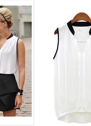 Свободная блуза белая с черной отделкой не приталенная, бочонок.