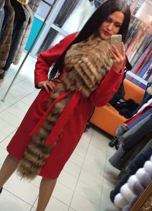 Пальто утеплённое с мехом енота песца