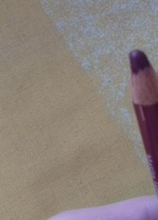 Бордовый пудровый стойкий темно красный карандаш для губ англия
