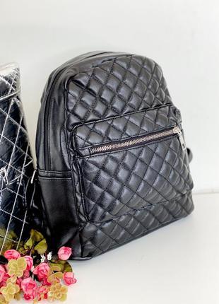 Сумка-рюкзак с выходом для наушников
