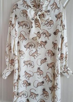Стильное платье h&m с обезьянками.