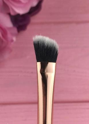 Кисть для растушевки теней скошенная №008 - malva cosmetics br...
