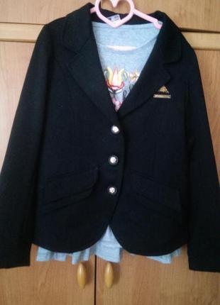 Пиджак школьный чёрный на 9-10 лет