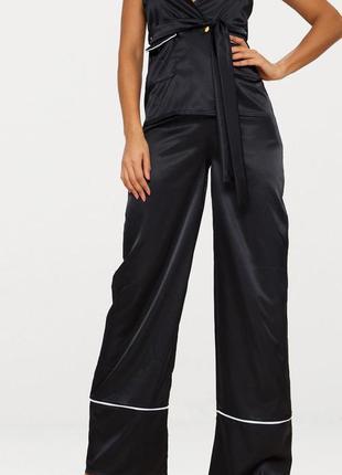 Черные атласные брюки с широкими штанинами prettylittlething uk-6