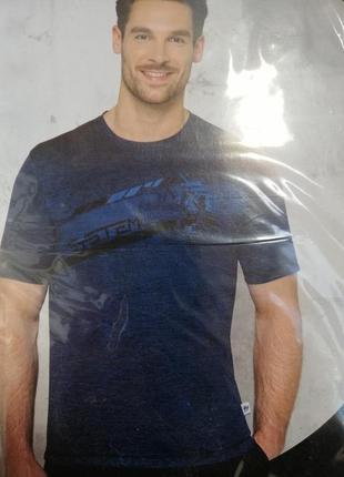 Мужская футболка спортивная