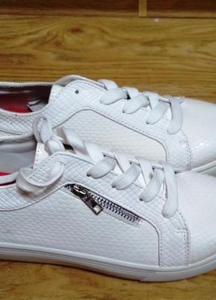 Белые кеды / слипоны / туфли