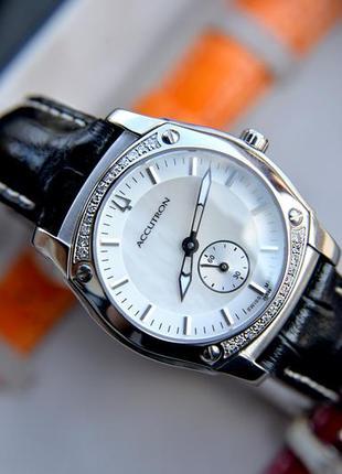 Швейцарские женские часы с бриллиантами bulova accutron + набо...