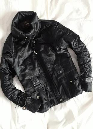 Чорна куртка демі
