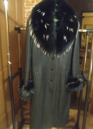 Зимнее кожаное пальто с песцом с подстежкой 52-54 размер