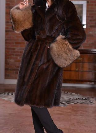 Шикарная норковая шуба пальто норка saga furs манжеты песец ит...