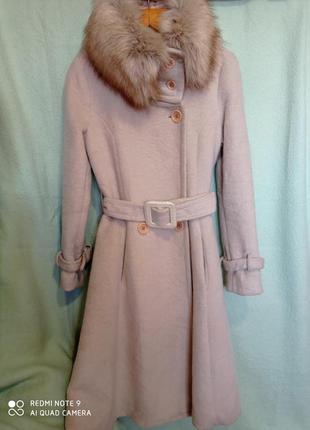 Красивое  всегда модное  двухбортное пальто молочного цвета ор...