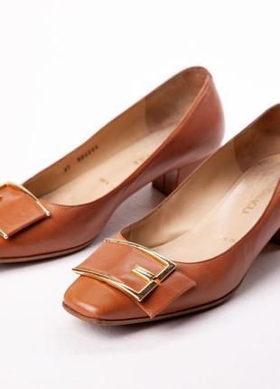 Туфли женские Bruno Magli