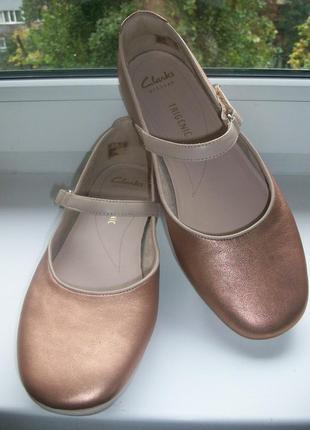 Туфли женские натуральная кожа clarks р.41