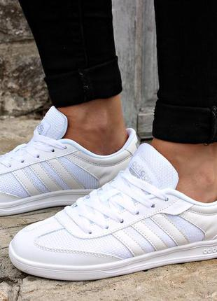 Женские белые кроссовки кеды кожа в стиле адидас