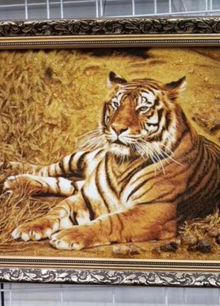 Картина из янтаря.