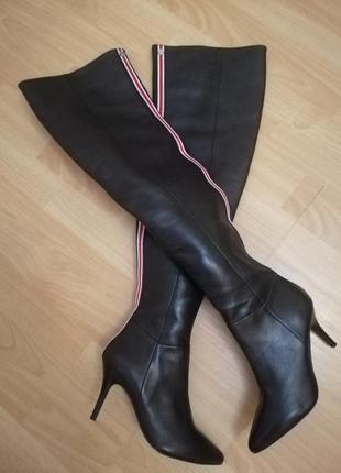 Ботфорты 37р кожаные зима с красной полоской