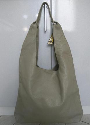 Кожаная большая вместительная крутая женская сумка полностью и...