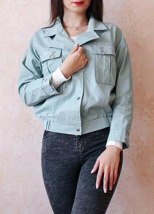 Куртка-піджак модного м'ятного кольору на весну