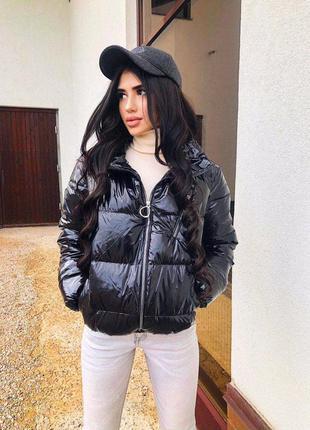 Куртка , пуховик лаковая дутая черная