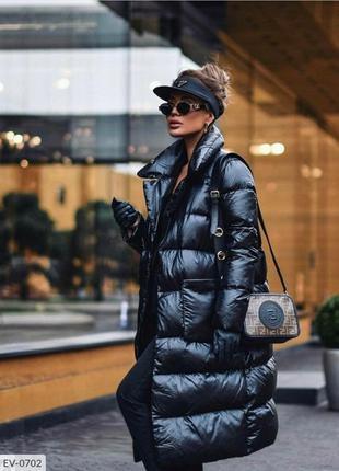 Чёрное длинное дутое женское пальто